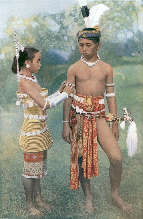 587px-Young_Ibans,_or_Sea_Dayaks